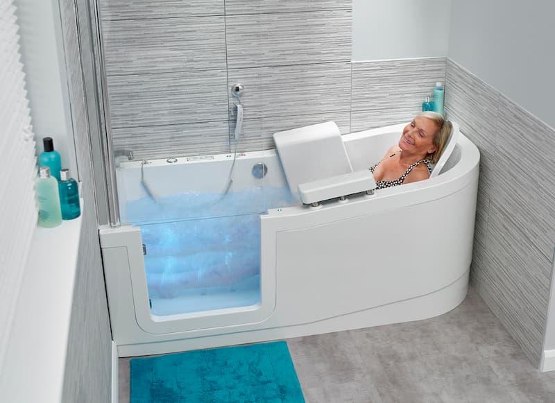 Lady enjoying newly fitted AHM Bathtub Reading