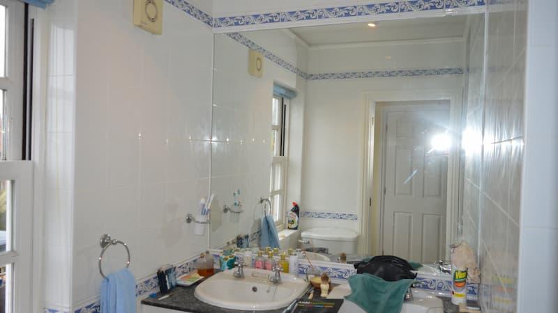 McGregor bathroom before assisted instalment
